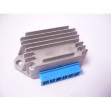 Реле зареждане -EU- -5-пина (A|A|G|B+|Ground)- Vespa PX (-1984), PX Elestart (преди 1997), ET4 125 ccm (ZAPM04000 bis Bj. 1999), Piaggio 50 cc 2-тактов (преди 1999), Sfera 125 ccm 4-тактов (ZAPM01000)